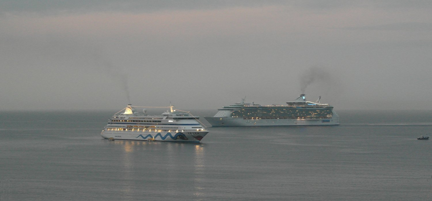 Independence of the Seas en approche de Cannes